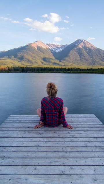 HD wallpaper girl enjoying natural landscape