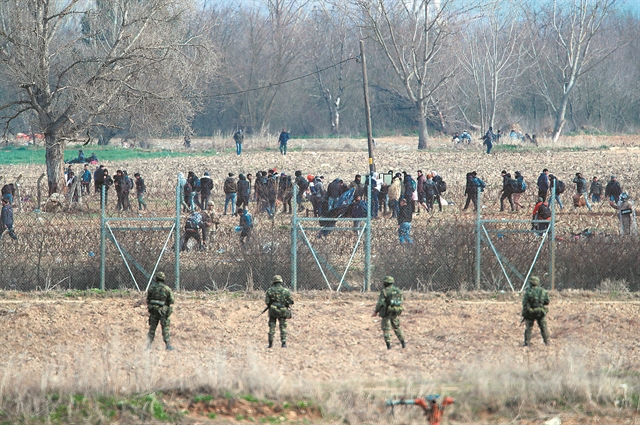 Έβρος: Ο φράχτης ενισχύεται, η αστάθεια παραμένει