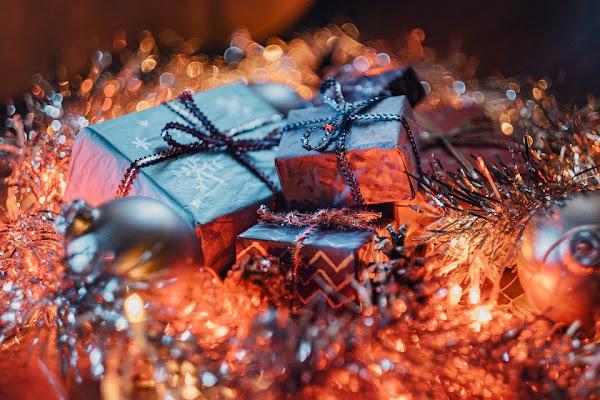 Image: Christmas Gift Boxes, by Yevhen Buzuk on Pixabay