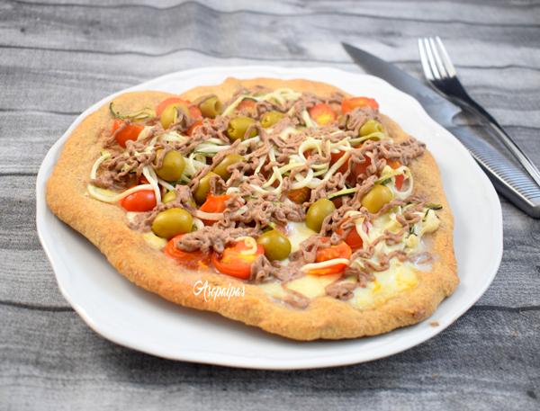 Pizza Vegetariana con Hummus de Lentejas, Calabacines y Mozzarella. Vídeo Receta