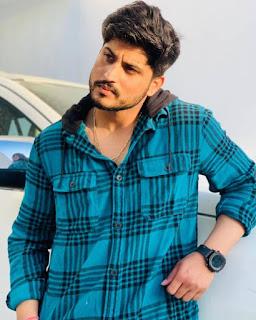Gurnam Bhullar whatsapp Number, Wiki, Girlfriend, Family, Height, Weight, Age, Biography & More