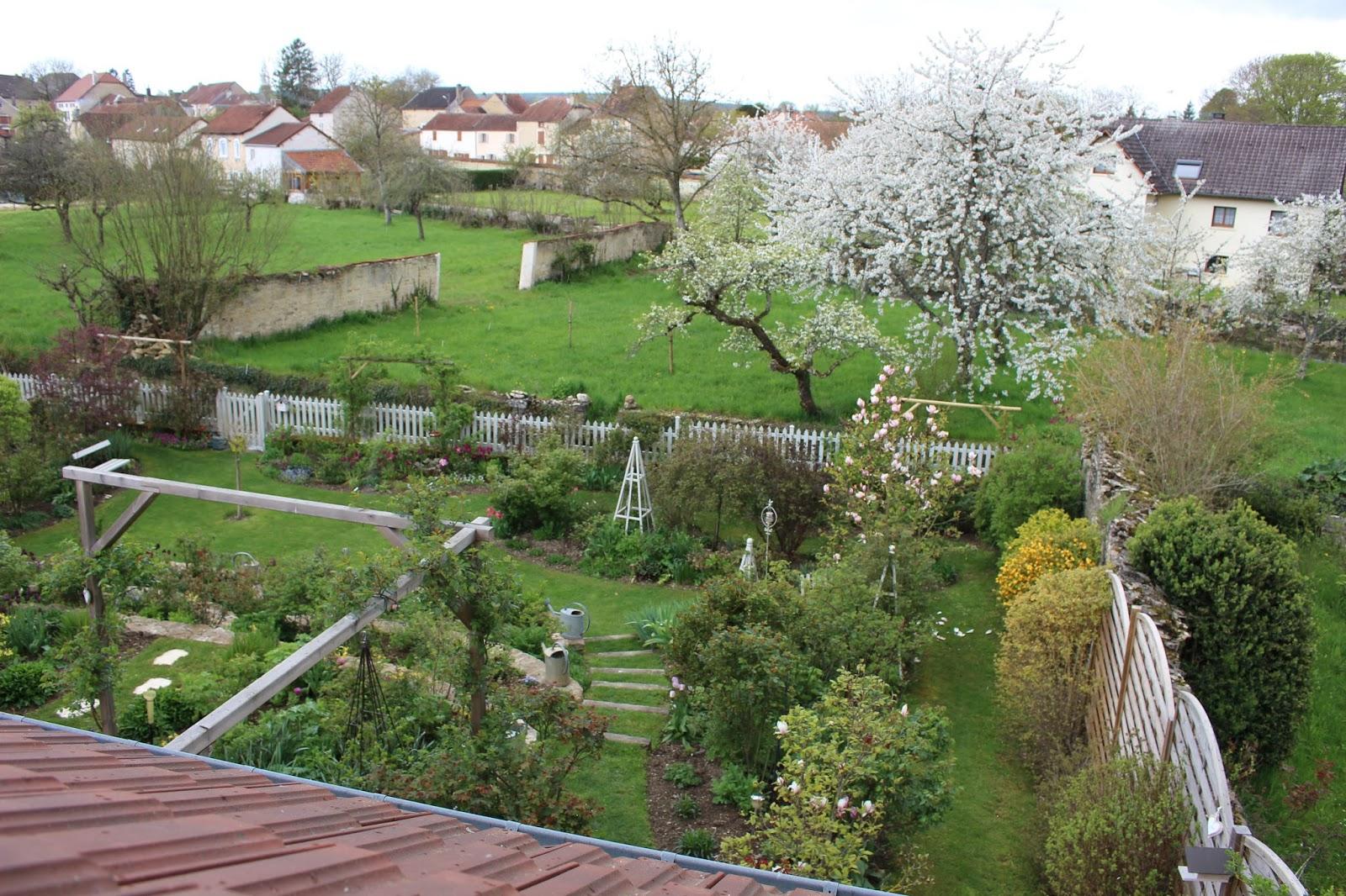 Notre jardin secret en avril ne te d couvre pas d 39 un fil for Jardin secret wine