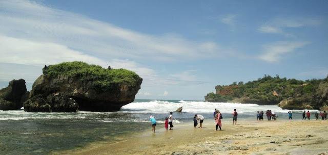 Pantai Kukup Gunung Kidul Jogjakarta