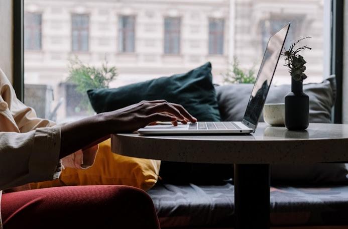 How to adjust keyboard brightness in M1 Apple Macbook Air and M1 Apple Macbook Pro