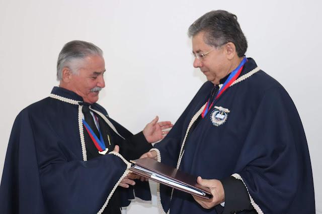 Vivaldo Mendes Vieira assume como presidente da Academia de Letras