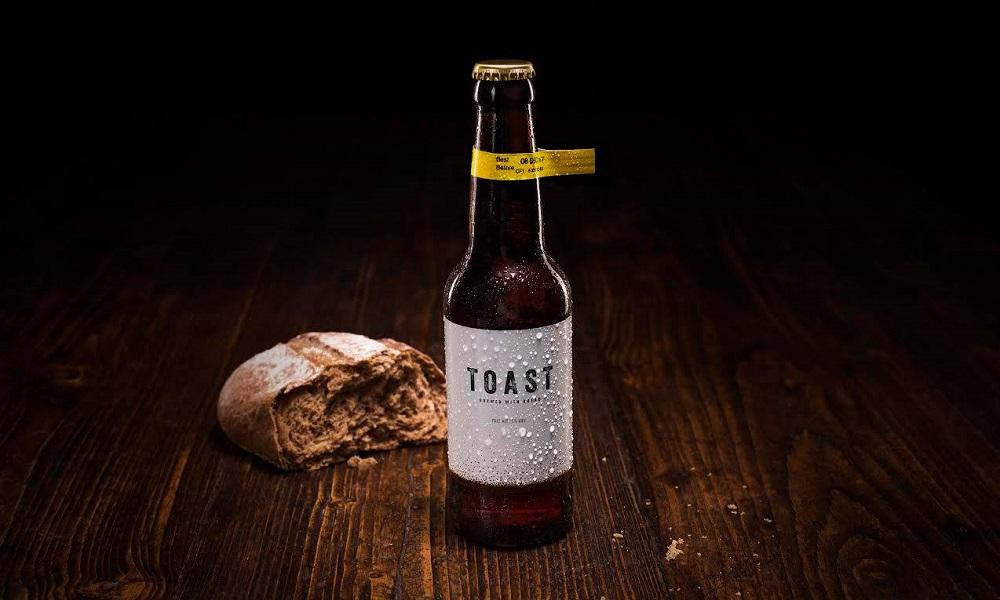 Empresa combate desperdício transformando pão sem condições em cerveja