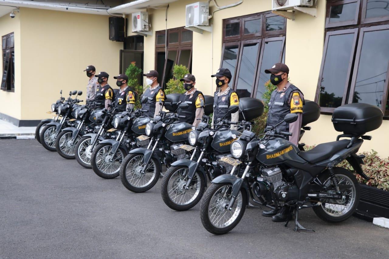 Delapan Bhabinkamtibmas di KebumenTerima Motor Dinas Baru