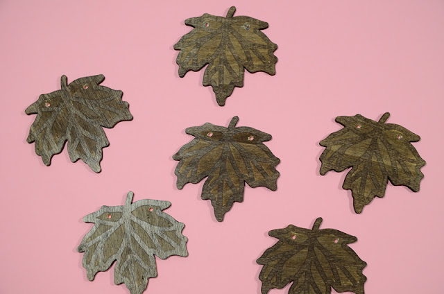 wood fall leaf decor