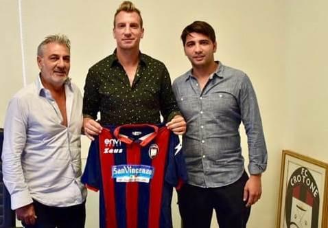 Na Itália: ex-atacante do Vasco será companheiro de jogador com raízes em São Cândido, distrito de Caratinga