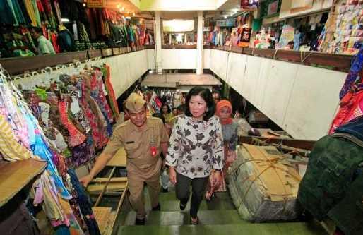 Batik di Pasar Klewer