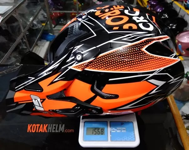 berat helm gix cross