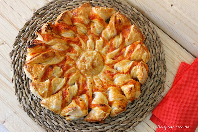 Estrella de hojaldre 4 quesos y jamón. Julia y sus recetas