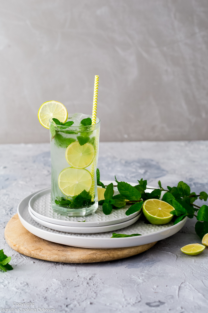 Cardamom mojito without alcohol made with real cardamom pods.