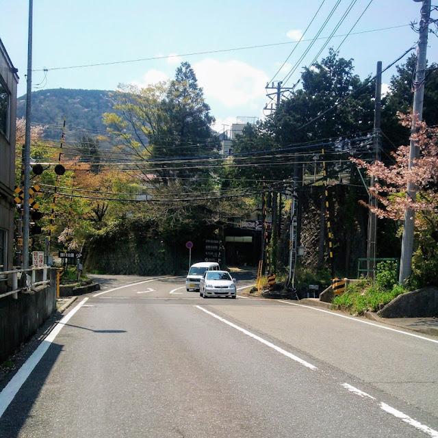 東海道 国道1号 小涌谷の踏切