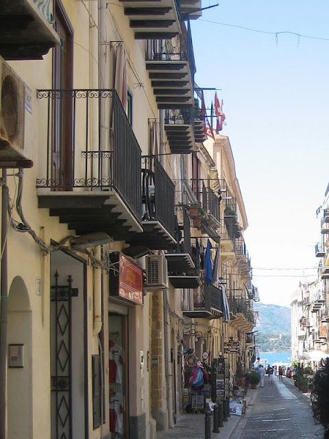 Calles de Cefalù
