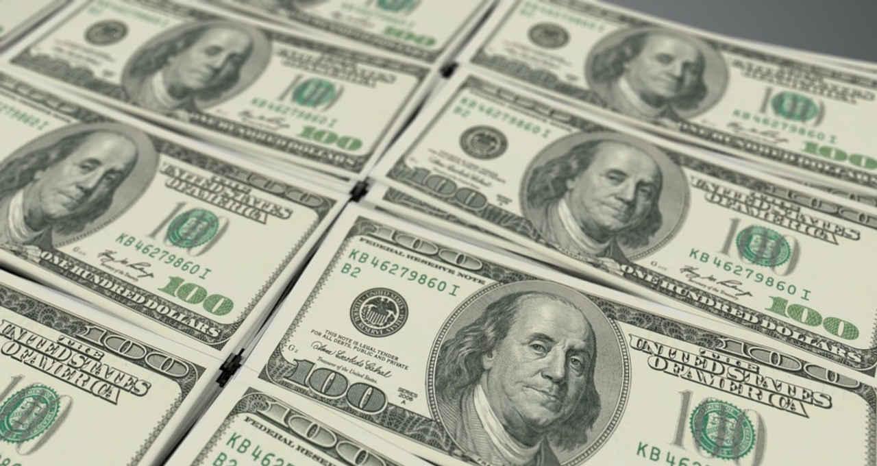 Dólar fecha em alta e vai a R$ 5,42, o maior valor desde maio