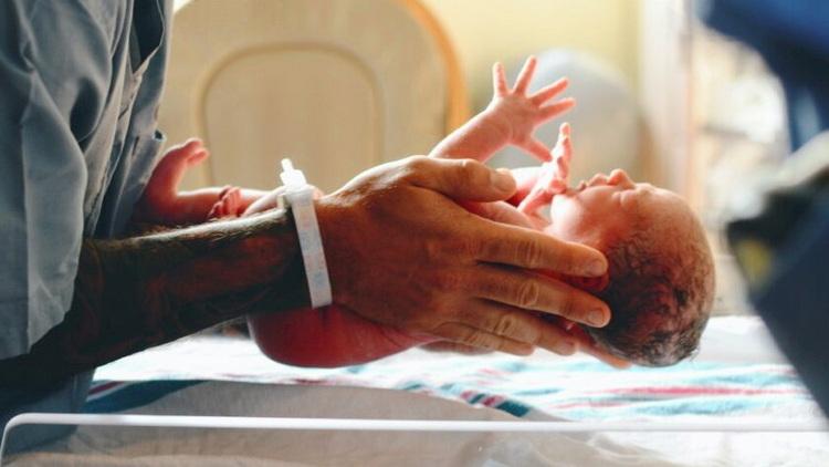 Η ΑΠΟΣΤΟΛΗ και η Μητρόπολη Αλεξανδρούπολης στηρίζουν τα νεογέννητα και τις οικογένειες τους με βρεφικά είδη