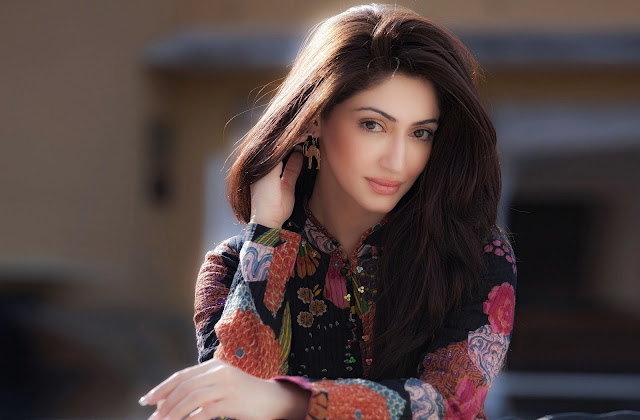 Reyhna Malhotra Beautiful HD Wallpapers