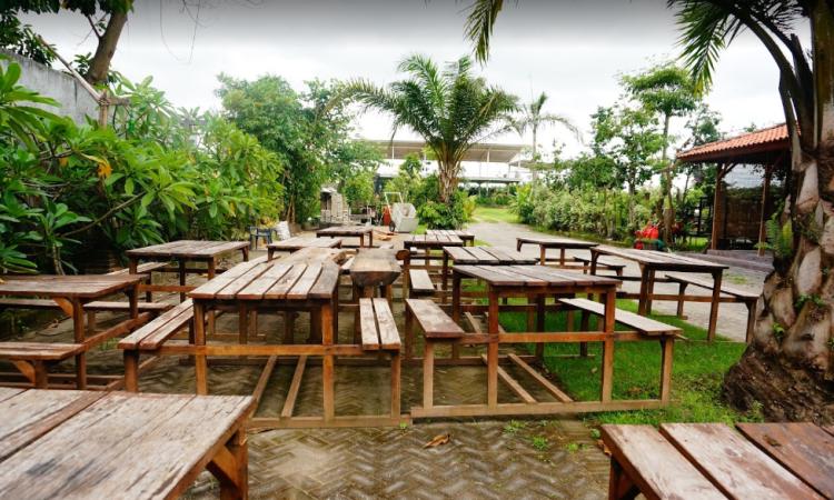 15 Tempat Makan di Blitar Paling Enak & Murah