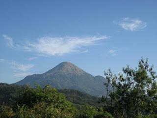 Pemandangan Tempat Wisata Gunung Penanggungan