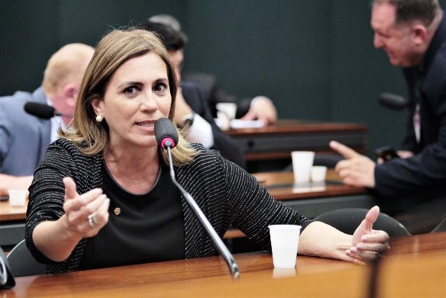 Rosana Valle cobra rapidez  do Ministério da Saúde na ajuda aos municípios