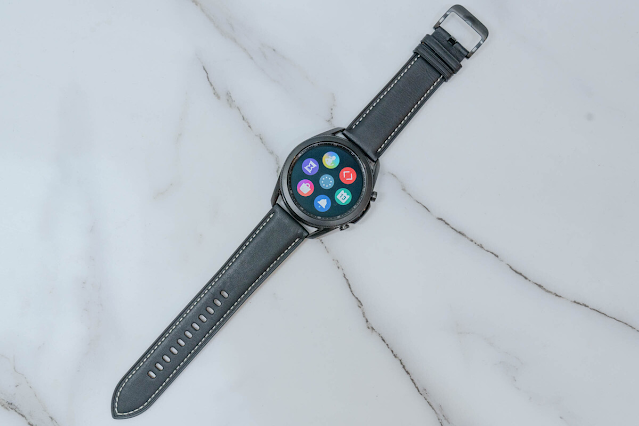 Realme Watch (1,99 triệu đồng)