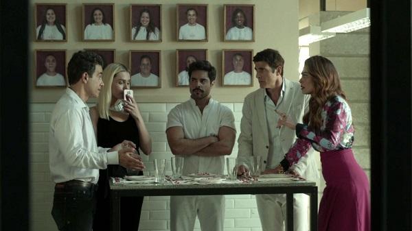 Maria da Paz descobre que o bufê indicado por Régis não existe (Imagem: Reprodução/TV Globo)