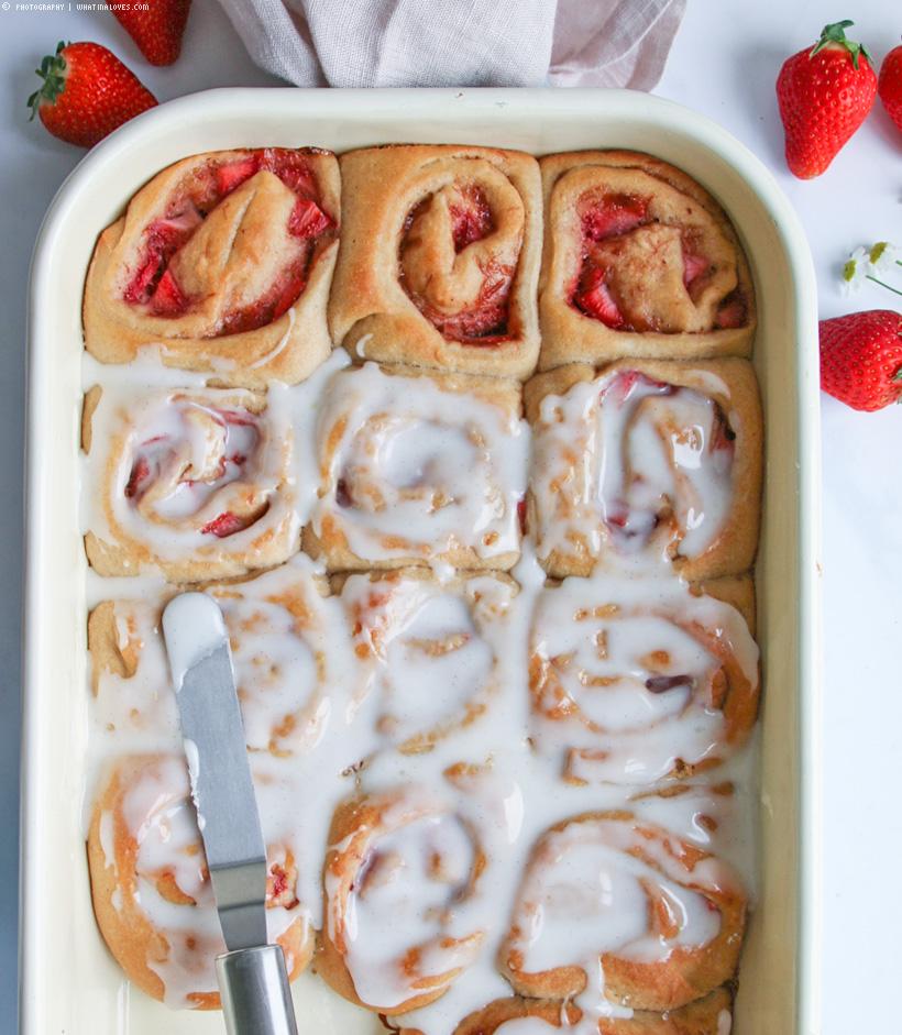 strawberry buns vegan