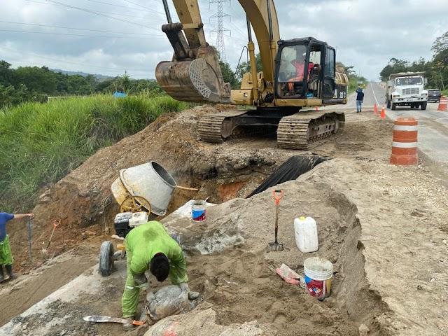 SUPERVISÓ TITULAR DE SCT AVANCES  EN LA RECONSTRUCCIÓN CARRETERA DE TABASCO