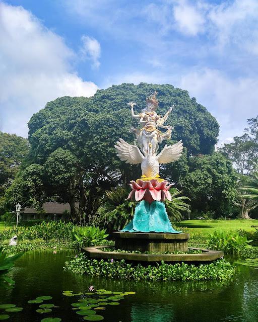 Belajar Sejarah Tentang Indonesia Di Istana Presiden Tampak Siring