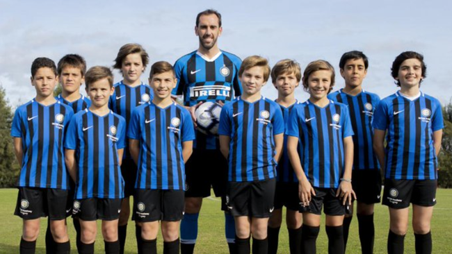 Resmi Pergi Ke Inter Milan Godin Bakal Terima Gaji Paling Besar 2019