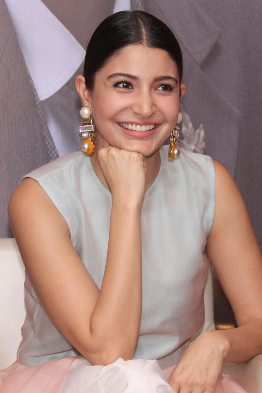 Bollywood Actress Anushka Sharma Press Meet In White Dress