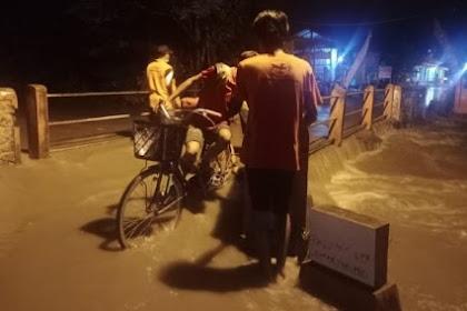 Sungai padangan di Mojokerto meluap,rumah warga terendam