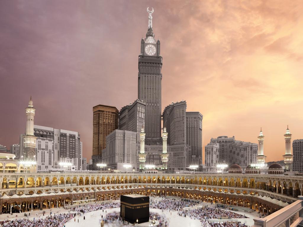 Tanduk Syaithan Ada Di Zam-Zam Tower Mekkah?