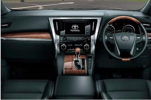 Interior & Fitur Toyota Alphard