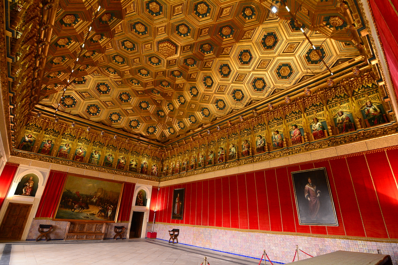 salle du trone Alcazar Segovie