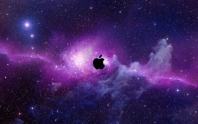 Paarse Apple wallpaper met zwarte Apple logo in de ruimte
