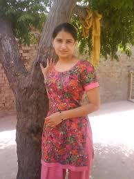 bangla choti meye সুলেখার বাবা সুলেখার মণিতেই নুনু ঢুকিয়ে দিলো