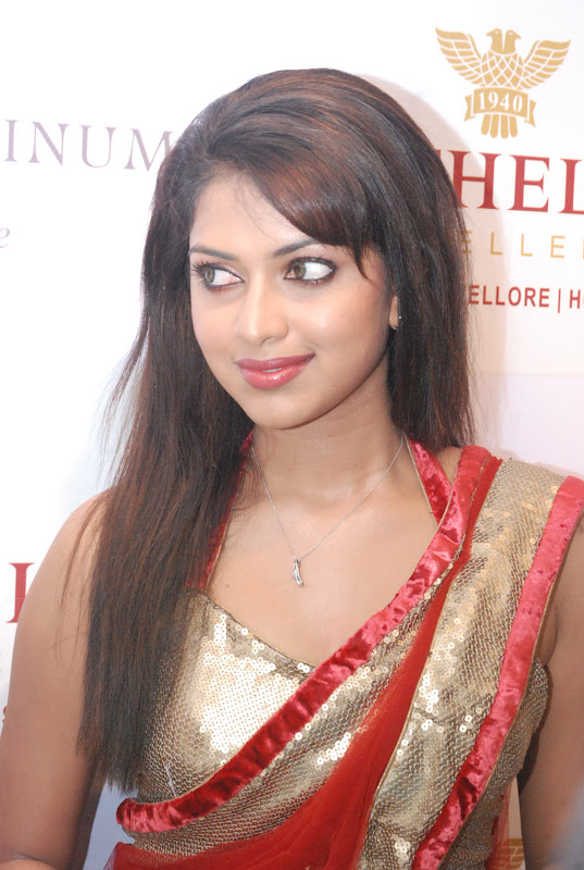 Amala Paul New Photos in red Saree