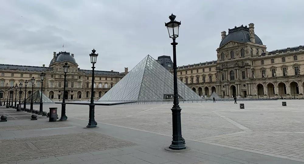 Un réfugié paye 75 euros de loyer pour un appartement près du Louvre «L'idée, c'est de fabriquer des Français...!?»