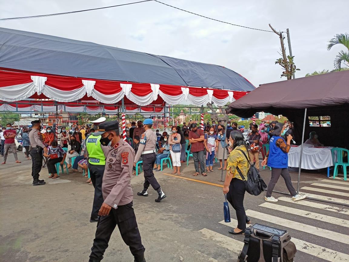 Masyarakat Berbondong Bondong Mendatangi Gerai Vaksin presisi di Makale