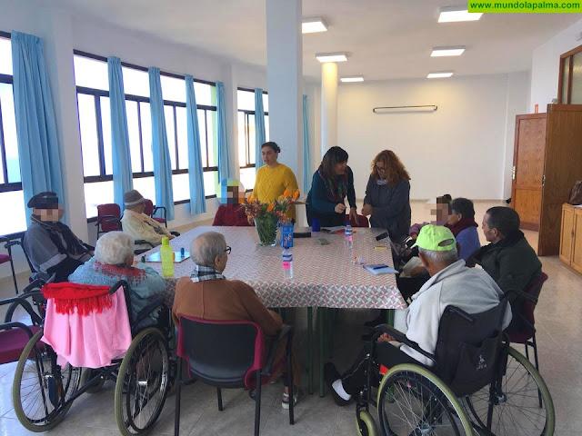 Las personas mayores de Fuencaliente estrenan Aula de Día