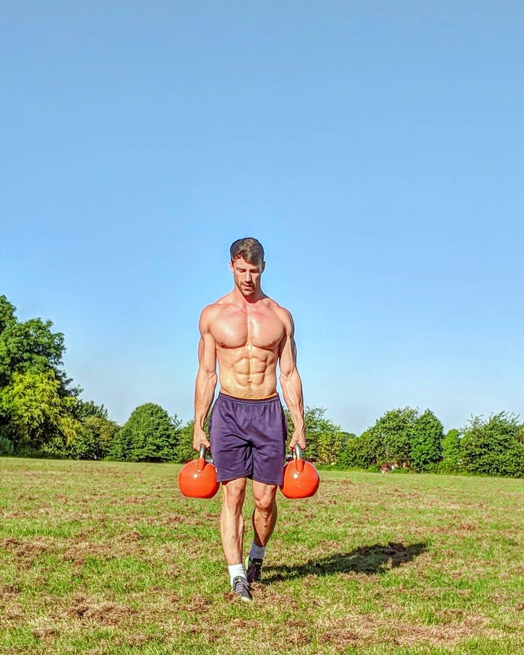 barechest-fit-muscle-abs-daddy-huge-pecs-outdoor-dumbell-workout