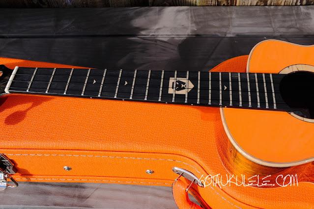 aNueNue Lion Orange UT Ukulele fingerboard