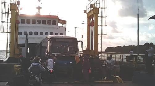 H -6, Pelabuhan Pamatata, Ramai Dilalui Pemudik