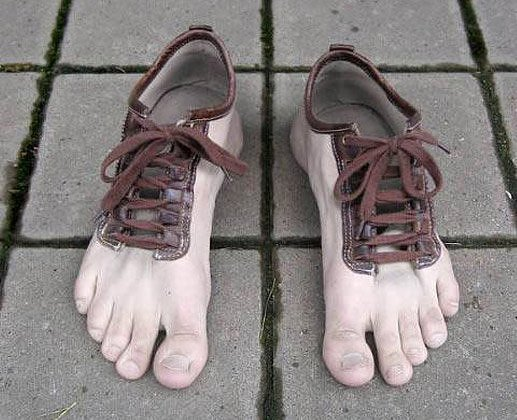 18afd3f90b55d صور أحذية غريبة   090121021940u4gu
