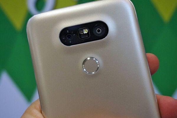 """Dù đi tiên phong trước Apple, Samsung nhưng LG vẫn """"chật vật"""""""