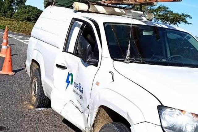 Grávida fica ferida após acidente entre carro e motocicleta na BR-030