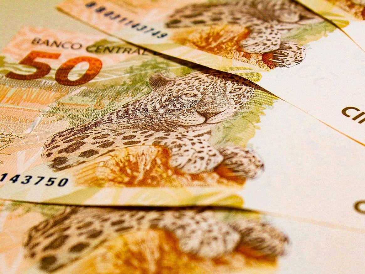 Carteira total de crédito deve crescer 7% em 2021, diz Febraban