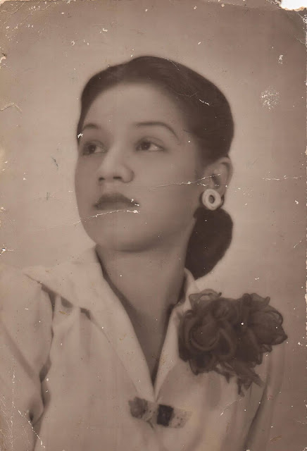 """""""100 años de Judith"""" una mirada a fotografías inéditas del archivo personal de la pianista, compositora y arreglista Judith Pérez Romero"""